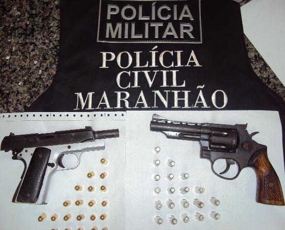 Armas encontradas com Boca de Couro