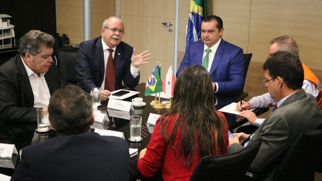Em-audiência-no-Ministério-da-Integração-solicitada-por-Hildo-Rocha-deputados-buscam-ajuda-para-municípios-atingidos-por-enchentes_A