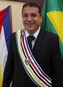 Zé-Gomes-com-faixa-CARIMBADA1