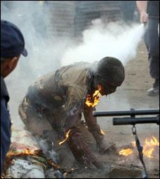 mocambicano-queimado-vivo