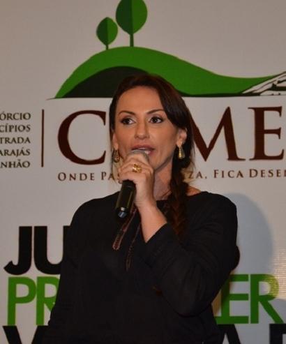 Cristiane Damião ESSA OK