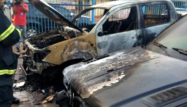 Carros Incendiados
